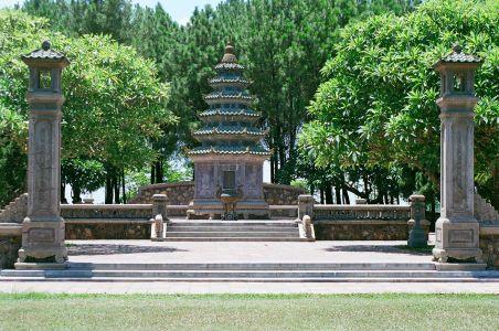 Pagode Thien Miu - Tour Phuoc Duyen