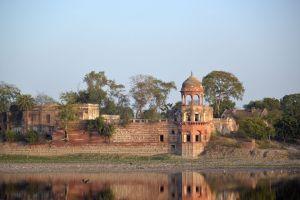 Jardin Mehtabh Bagh, Rive de la Yamuna