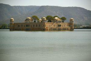 Jal Mahal, palais d'été des maharajas de Jaipur sur le lac Sagar