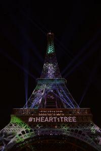 Tour Eiffel revêtue d'arbres virtuels #1heart1tree #cop21 [2015]